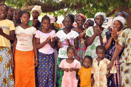 th_73d9f63cbf68d5d7391d41bb4dcbecbf_Una-comunidad-de-Mali-celebra-la-erradicación-de-la-mutilación